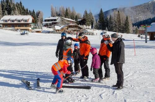 Wintersportschule - Stodertal GmbH 4
