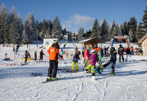 Wintersportschule - Stodertal GmbH 8