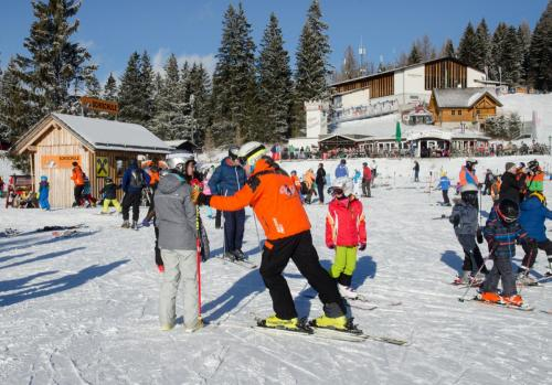 Wintersportschule - Stodertal GmbH 9